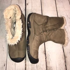 Keen winter boots pull on style 9